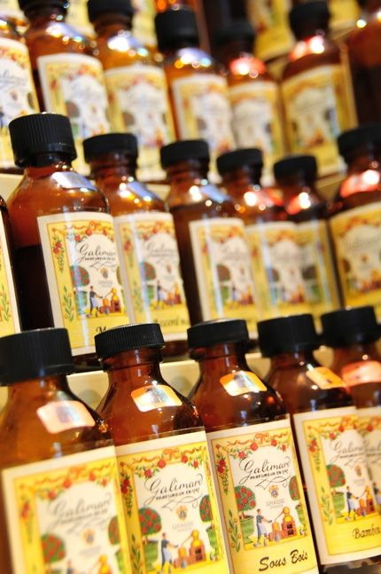 Personal Perfume Workshop in Grasse - if I ever go there!