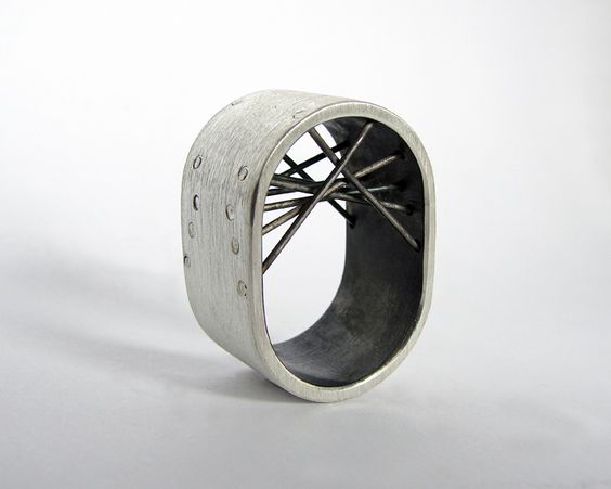tube series bridge ring from Gustavo Paradiso Contemporary Jewelry by DaWanda.com