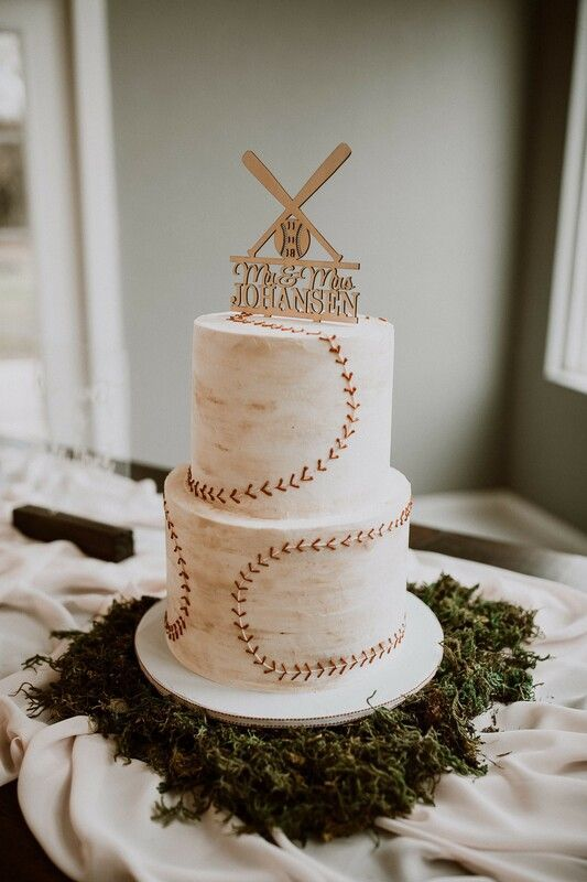 50 Gorgeous Romantic Wedding Cake Ideas In 2019 In 2020 Baseball