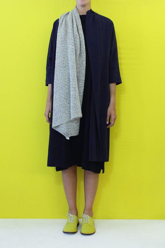 Daniela Gregis big knitted shawl triangolo
