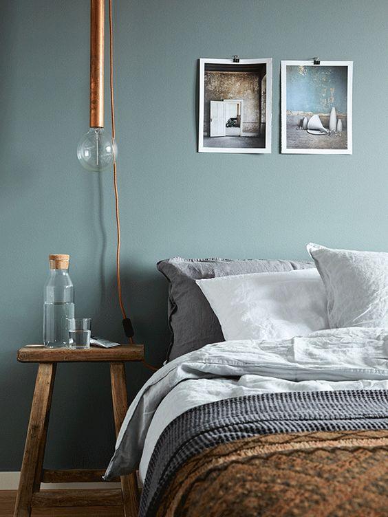 K R i S P I N T E R I O R  Mono Greys, Green, Linen + Rustic Wood - wandfarben f amp uuml r schlafzimmer