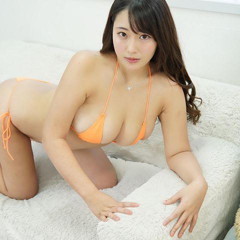 かほ インスタ 秋山