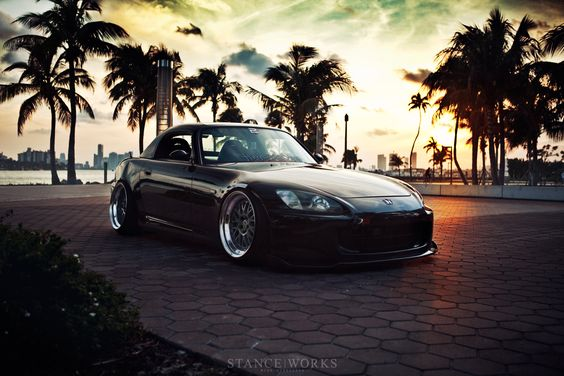 Honda S2000..what Matthew picked me up in on our first date <3