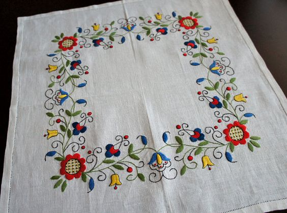 White Traditional Kashubian Embroidered Tablecloth