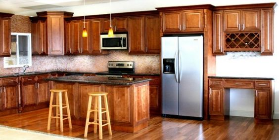 Choosing Between Raised & Recessed Cabinet Panels