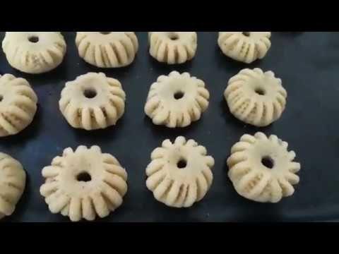 طريقة عمل المعمول الفلسطيني مع سر النقشة والاخطاء اللي بتخرب العجينة وتصحيحها مش رح تندمي Youtube Food Sweet Recipes Desserts