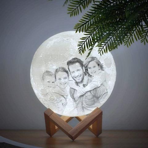 Personalisierte 3d Mondlampe Waagemann In 2020 Mond Lampe Personliche Geschenke Einzigartige Geschenke