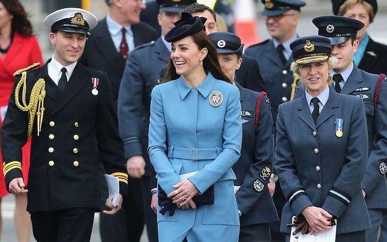 Photo by Chris Jackson/Getty Images    先週の2月7日(日)、キャサリン妃が、昨年末に 義祖父 エディンバラ公から引き継いだ、航空士官候補生の団体のパトロンとしての初めての公務に、アレキサンダー マックイーンのコートで参加した。      Photo by Chris Jackson/Getty Images    RAF(Royal Air F...