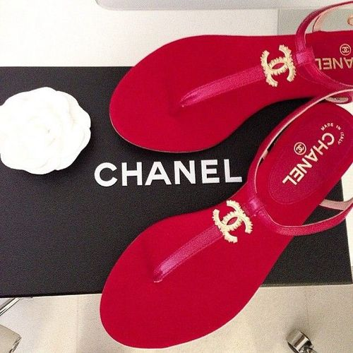 .How Cute are these #chanel #red #slippers ♥