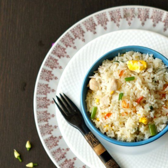 Chicken fried rice - An easy and tasty recipe for a week-night dinner.