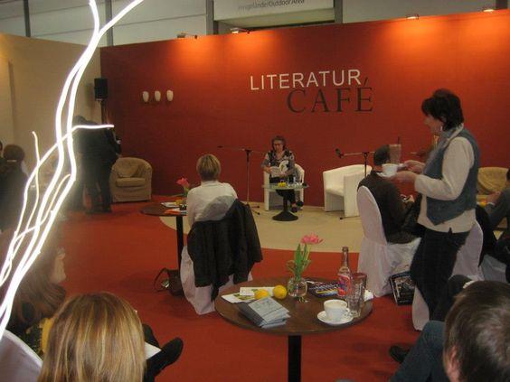 """Lesung aus """"Zitronen aus Hellas"""" auf der Leipziger Buchmesse im Literaturcafe.  www.groessenwahn-verlag.de"""