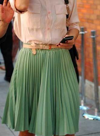 saias plissadas verde curta