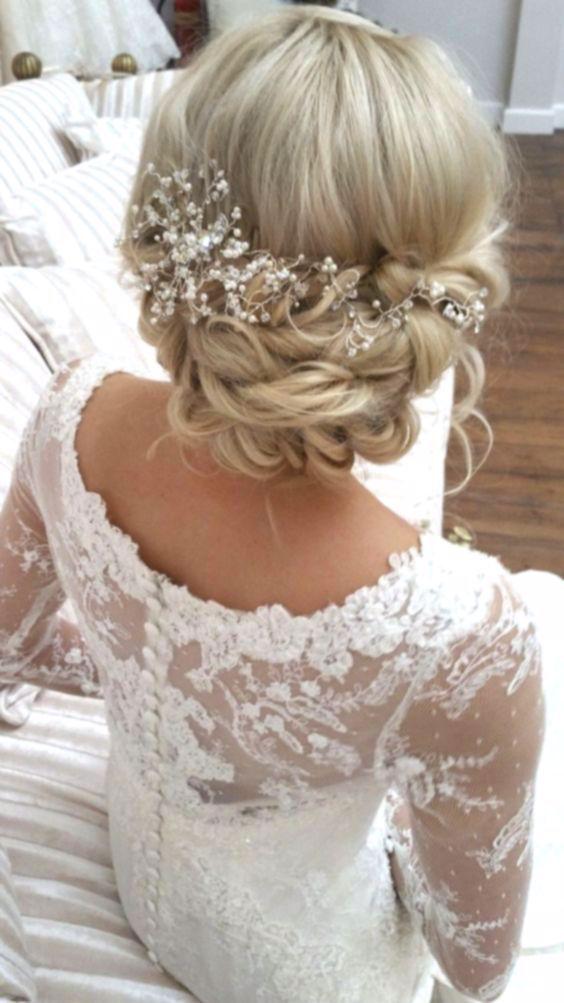 Weddinghair Bridalhairstyles Weddinghairstyles Wedding Hairstyles Curly Medium Length In 2020 Celebrity Wedding Hair Medium Length Hair Styles Bridal Hair Dressing