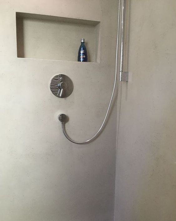 http://www.malerische-wohnideen.de/blog/fugenlos-baeder-badezimmer-sanieren-badwaende-duschwaende-muenchen.html