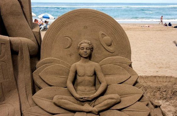 El genio de la playa de las Canteras http://www.escapadarural.com/blog/intentos-del-hombre-de-mejorar-la-naturaleza/