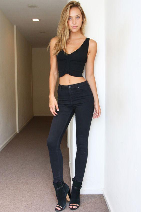 Alexis Ren // Height: 5'8.5, Waist: 22, Hips: 34