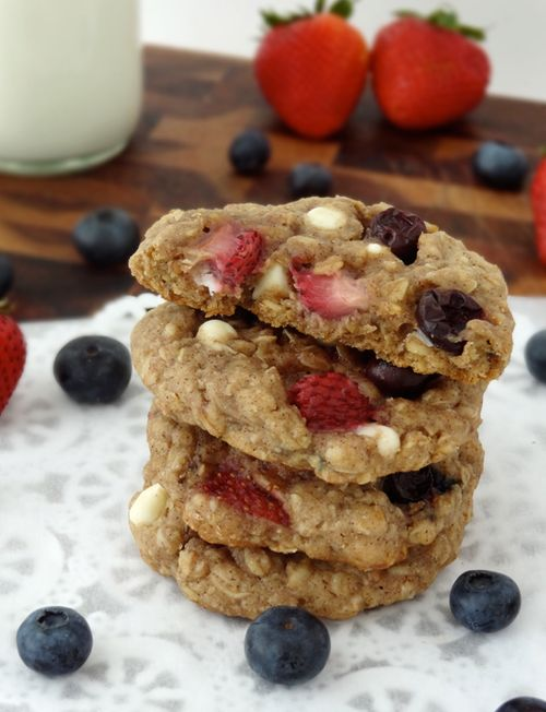 Red White and Blue Oatmeal Cookies Strawberry and Blueberry White ...