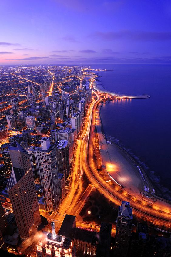 #Chicago - An amazing view of the city in night.