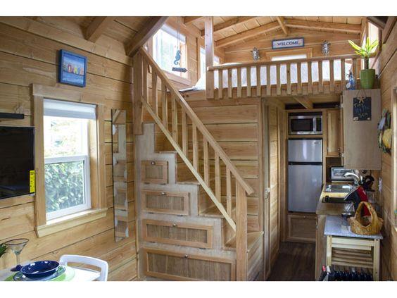 Charming Craftsman Tiny House on Wheels on HGTV Love the fridge