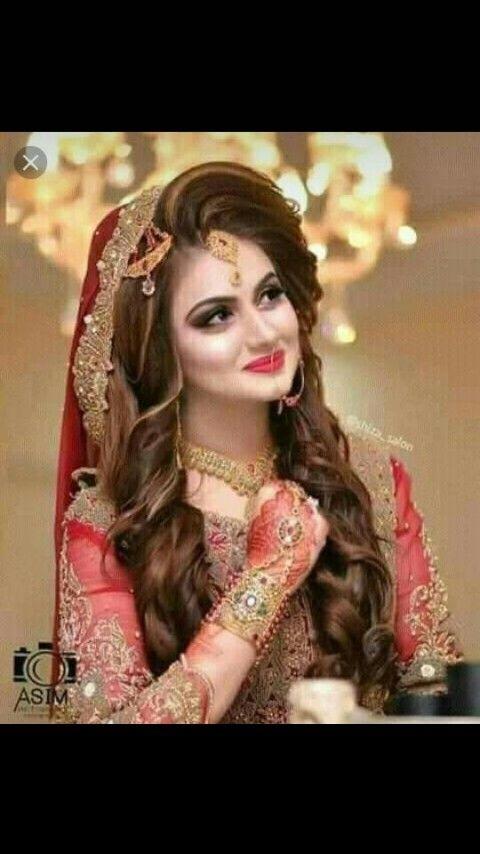 Mehendi With Bright Pink Lip Pakistani Bridal Makeup Pakistani