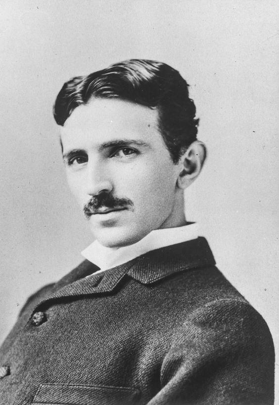Modelo y ejemplo de ingeniero Nikola Tesla