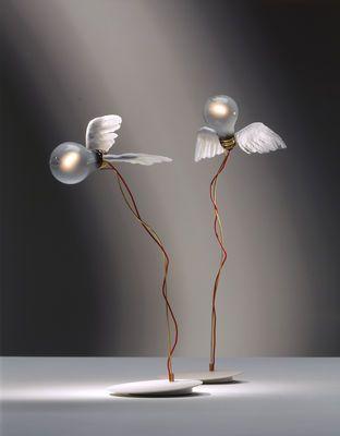 Lamellen Edelstahl Tischlampe modern praktisch Halogenbirne kunstovolles Design
