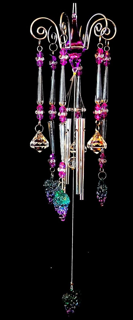 Grapes wind chime ~ would love to know where to purchase the wire top