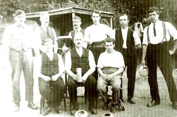 Can you help Wendy identify the men in this picture?