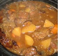 Slow Cooker Beef Stew Ingredients 2 pounds beef stew meat, cut into 1 inch cubes ¼ cup all-purpose flour ½ teaspoon salt ½ teaspoon ground black pepper 1 clove garlic, minced 1 bay leaf 1 teaspoon paprika 1 teaspoon Worcestershire sauce 1 onion, chopped 1½ cups beef broth 3 potatoes, diced 4 carrots, sliced 1 stalk celery, chopped