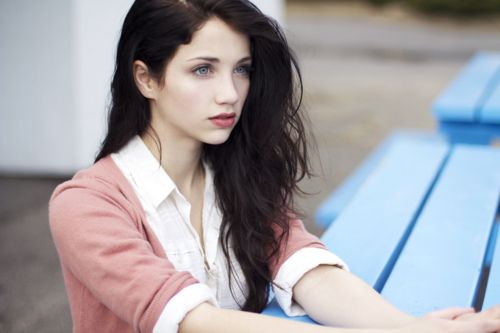 cute: Hair Colors, Dark Hair, Eye Color, Character Inspiration Girls, Emily Rudd, Hair Color Black, Beautiful Faces, Rudd People, Hair Color Brown