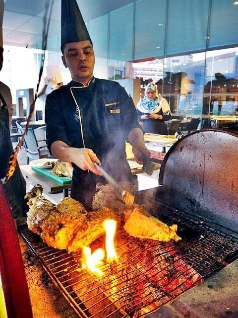 Ramadhan Food Delivery Furama Hotel Bukit Bintang Selera Kampung In 2020 Food Food Blog Malaysian Food