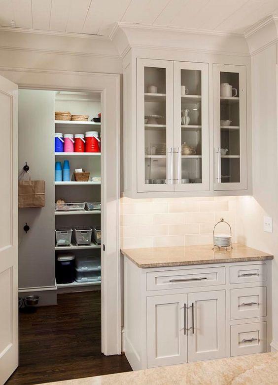 benjamin moore paint color benjamin moore calm oc 22. Black Bedroom Furniture Sets. Home Design Ideas