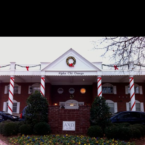 Beautiful Alpha Chi Omega house. OU My home sweet home in Norman :)