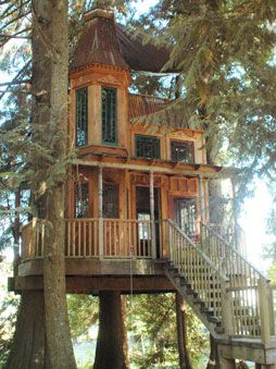 Victorian style treehouse http://www.treehouseworkshop.com/port_projects_02.html #tree #house  #treehouse #victorian
