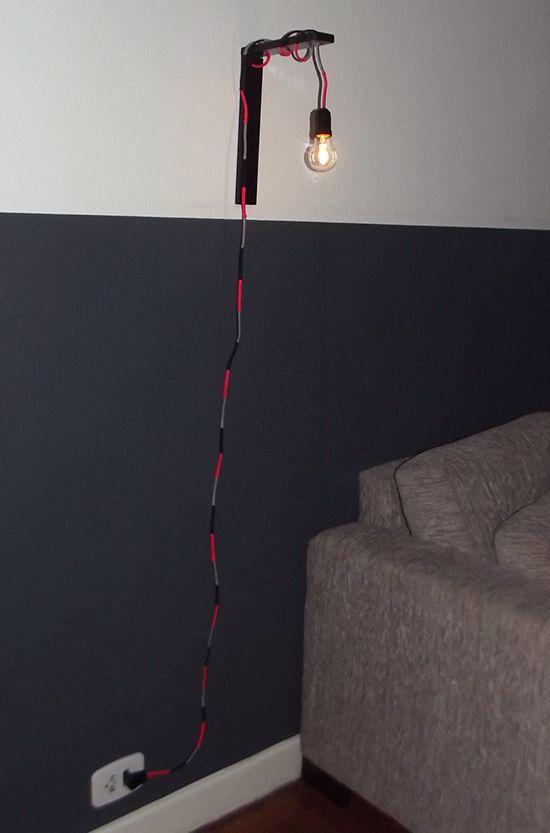 Luminária com fio colorido
