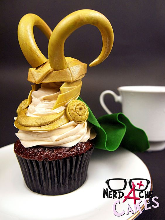 Loki Cupcake. Someone please make these for me!
