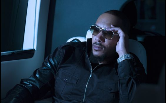 "R&B singer/songwriter Lyfe Jennings recently performed an ambitious cover of Michael Jackson's classic hit ""Human Nature"" for an installment of ReImagined"