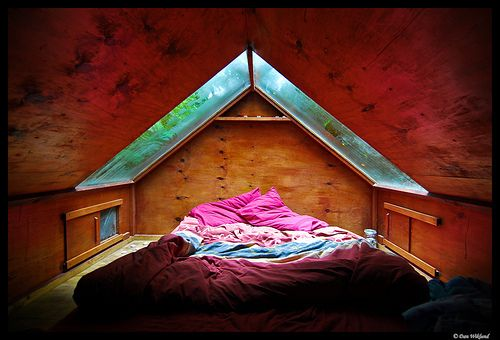 Want a skylight above my bed... I want to see the stars and the rain.