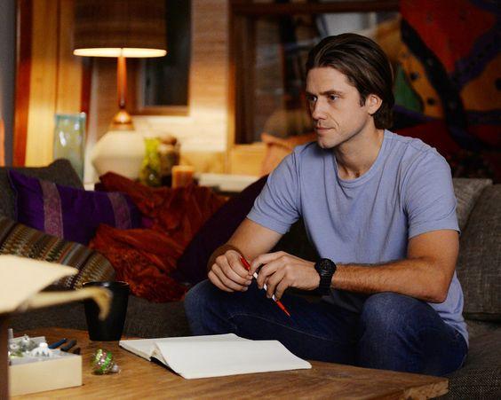 NBC's Heroes Reborn Spoilers: Will Aaron Tveit's Mike Warren Meet Zachary Levi's Luke Collins?