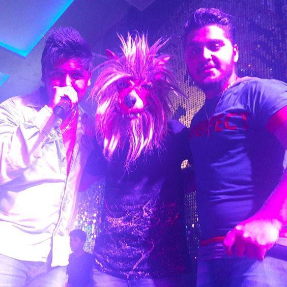Vem para a Yes ta Top   Com nosso Amigo Lobo   #sertanejo #sertanejando  #otavioaugustoefelipe  #sonho #vida #country  #countrymusic #osegredo #osegredooficial #yesbrasilpub #yesbrasil #sextafeira #sabado #madrugada #instragram by oefoficial https://www.instagram.com/p/BFGL0j0yiPS/ #jonnyexistence #music