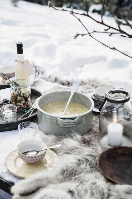Winter Picnic looks so inviting #skicuisine #ski #heethuggers: