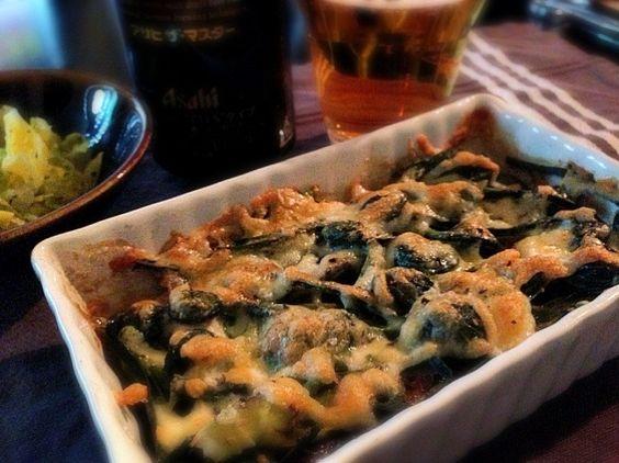 本日は、こごみ・たらの芽・ばっけ(ふきのとう)とササミをチーズ焼きに! チーズと山菜は合うね〜♪ - 13件のもぐもぐ - 山菜満載チーズ焼きw by chanmori