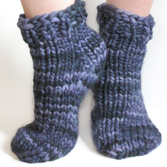 Free Knitting Patterns For Slippers And Socks : Sock, Patterns and Free pattern on Pinterest