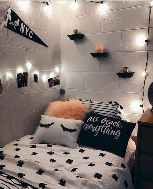 26 Diy Cozy Small Bedroom Decorating Ideas On Budget Dorm Room Decor Cute Dorm Rooms Bedroom Decor