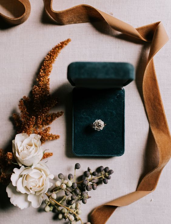 Jewel Tones and Rust Fall Wedding Colors #autumnwedding #color fall wedding ideas, fall bouquet, rust wedding color , jewel tones wedding color #wedding #fallwedding, flower ring