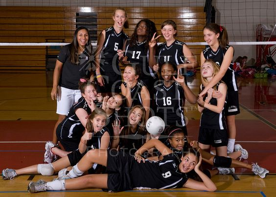 Houston S Saint John S School Middle School 8a Girls Volleyball Team Poses For Team Portraits Volleyball Poses Volleyball Photos Team Pictures