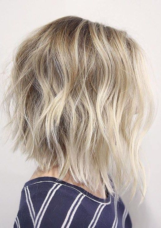 10 Best Middle Hairstyles For Women Add Some Blonde To Your Life Hairstyle Fix Inverted Bob Hairstyles Messy Bob Hairstyles Long Bob Hairstyles