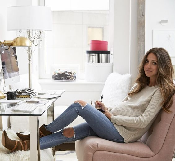 While Arielle Charnas of @SomethingNavy is best known for her fashion sense we're equally impressed with her taste in interior design. An today on @jossandmain you can take an exclusive tour of her stunning Tribeca apartment and shop everything in her home. Link in profile! #jossandmainmakeover by jossandmain