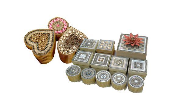 petits animaux en carton animaux boites cadres en carton boites commandes particulières Tableaux en relief