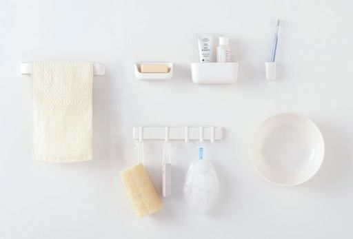 浴室グッズをマグネットで 浮かせて 収納できる新アイテム登場